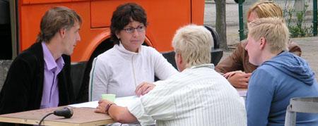 07-osc-08-09-docu-eil-aan-tafel-02.jpg