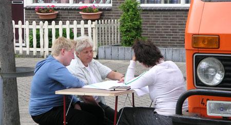 07-osc-08-09-docu-eil-aan-tafel-07.jpg