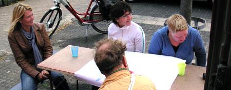 07-osc-08-09-docu-eil-aan-tafel.jpg
