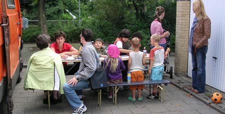 07-osc-08-13-docu-spi-aan-tafel-04.jpg